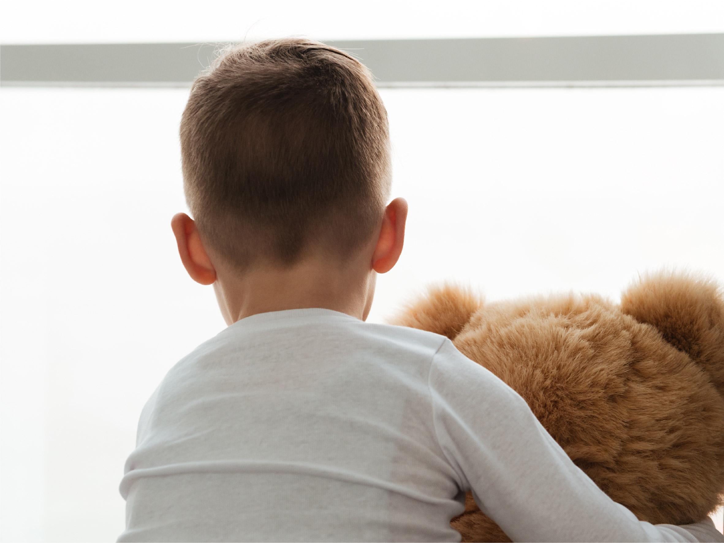 rljcc_child-at-window
